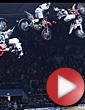 Video: Bikeři na Night of the Jumps