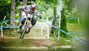 Video: The Art Of Downhill Racing