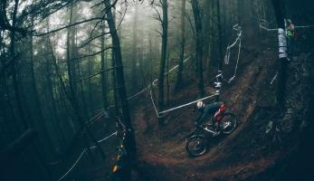 Video: British Downhill Series hi:lights