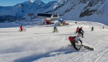 Video: Glacier Bike Downhill 2014