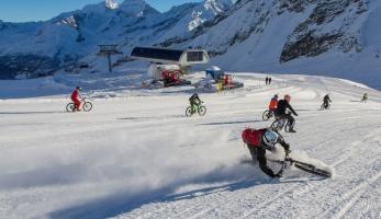 Video: Glacier Bike Downhill 2014