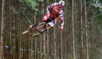 Video: Rubber Side Down - Maxxisem sponzorovaní jezdci v PMB