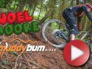 Video: Joel Moore klopí klopky jak málokdo