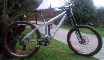 Bikecheck: DH prototyp Ghost Jany Bártové