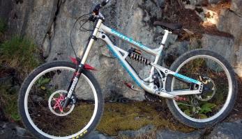 Bikecheck: Skautíkův Banshee Darkside