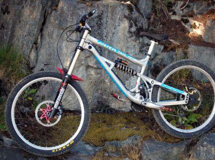 Bikecheck: Skaut�k�v Banshee Darkside