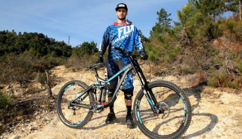 Guillaume Cauvin doplnil tým Giant Factory Off-Road Team