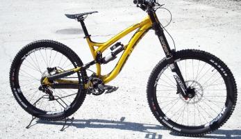 Bikecheck: Martin Mikulenka - Author Ninja DH team
