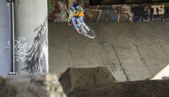 Video: MRSN zve na Under the bridge session