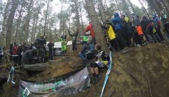 Video: Peaty´s Steel City Downhill