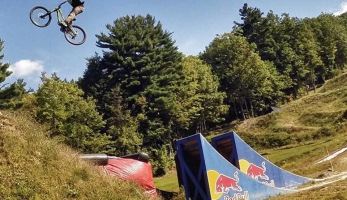 Video: Nicholi Rogatkin v Highland Mountain bikeparku