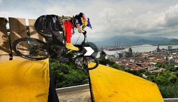 Video: City Downhill World Tour 2015 Santos - oficiální video