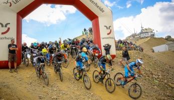 Report: Trek Bike Attack - hromadný sjezd ve Švýcarsku