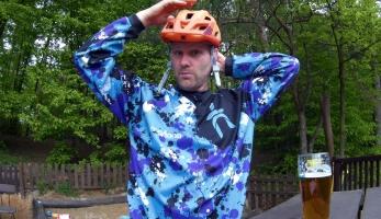 Gear & beer - helma Kellys Razor MIPS