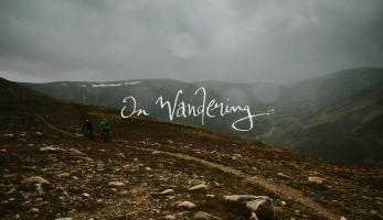 Video: On Wandering - s Wanderhamem a Hunterem ve Skotsku