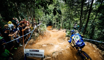 Video: týmová videa Cairns - MS Mondraker, Chain Reaction Cycles PayPal a Propain Dirt Zelvy
