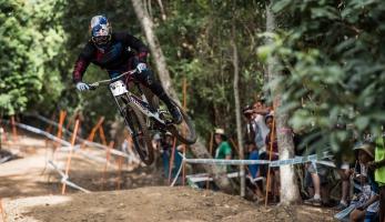 Loic Bruni zraněn a bude chybět na minimálně třech velkých závodech