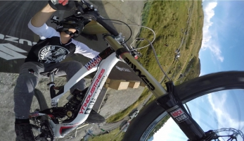 Video: dvojitý beko na Suzuki Nine Knights