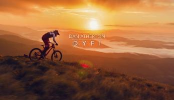 Video: Dan Atherton ukazuje dvě nové lajny v Dyfi Forestu