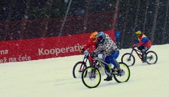 Report: Chinese downhill - dvě stě lidí na červené ve Špindlu