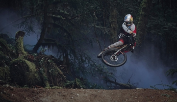 Video: Finn Illes - Red Bull Raw 100