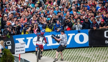 Aaron Gwin to zase neprozradil