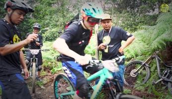 Video: TDH Enduro Race 2016 - jak se závodí v enduru v Malajsii