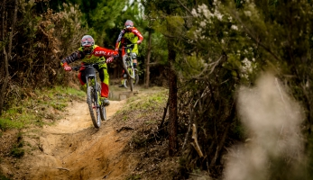 Video: Kellys Factory Team - predsezonný tréning ve Finale Ligure