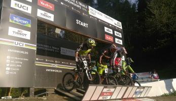 Kvalifikace na MS ve fourcross: první Slavík, Labounková druhá