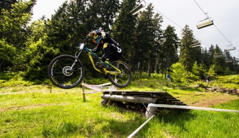 Video: BigMat Czech Downhill Tour 2016 - Pec pod Sněžkou
