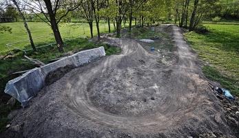 Otevíračka a závody na pumptracku v Tučapech u Holešova bude v květnu