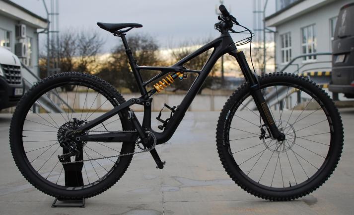 Bikecheck: Dan Klotz jezdí Specialized Enduro Ohlins Coil