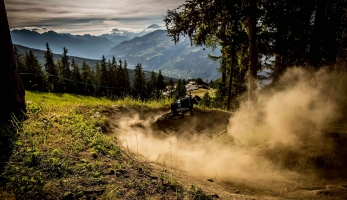 Video: NS Snabb Carbon - tři lokality, tři jezdci, stejné kolo