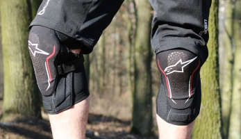 Test: chrániče kolen Alpinestars Alps 2 Knee Guard