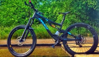 Bikecheck: Pivot Firebird Milana Čižinského