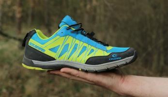 Test: boty Exustar E-SM825 - platformové i SPD, pohodlné a výrazné tretry