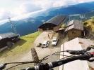 Video: The STUNT is Bike - Kilian Bron lítá s bajkem - na paraglajdu
