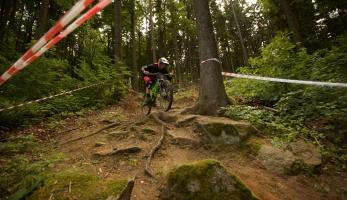 Video: Czech Downhill Tour - Monínec