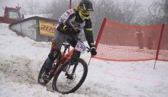 Report a video: Snow DH Petrůvka 2017