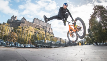 Video:  MacAskill vs  MacAskill - Game of Bike