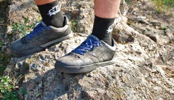 Test: boty Afton Keegan - klasický design, slušný grip a velké pohodlí