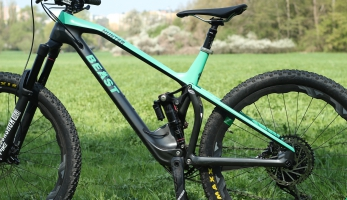 Test: Beast Bikes Hunter - karbonový all mountain s unikátním rámem