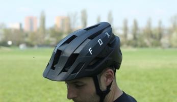 Test: Fox Flux - legendární helma zcela v novém