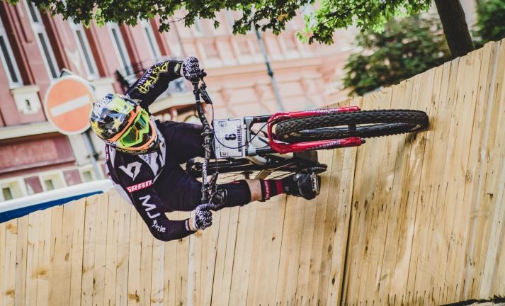 Report: Erik Irmisch ukořistil King of City Downhill