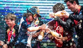 Video: Matěj Charvát - Sjezdový závody v Číně?! Shongshan International DH Race 2018