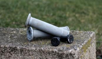 Test: Renthal Push On gripy - lock-on na nich nehledej