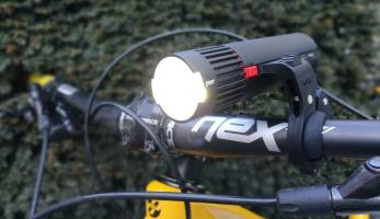 Knog PWR Modular Trail - bikové světlo i powerbanka