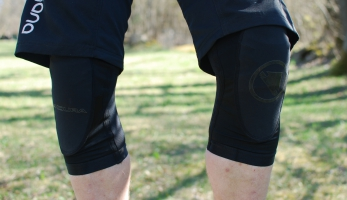 Test: kolenní chrániče Endura SingleTrack Lite Knee Protector