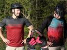 Vyzkoušeno: letní oblečení CTM - dres Enduro L/S, funční triko Tech Tee a rukavice Vice