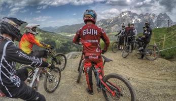 Report: Downhill Camp s Aaronom Gwinom v Leogangu očima přímého účastníka